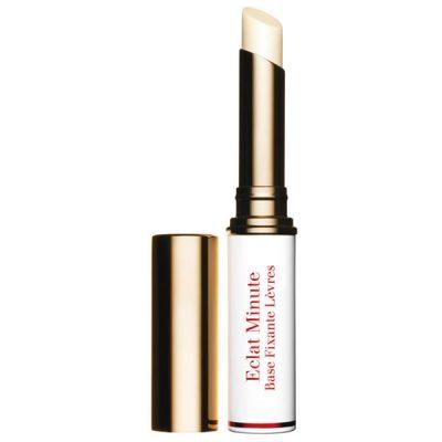Dans les cosmétiques le maquillage des lèvres